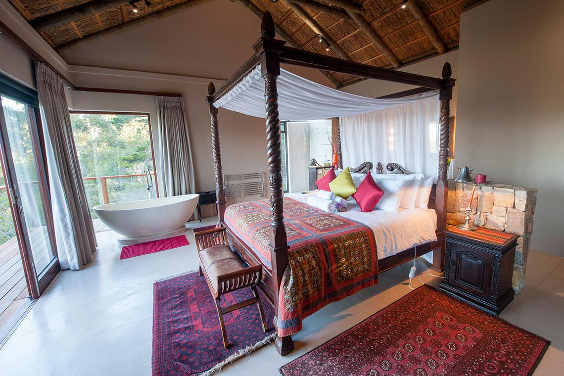 Honeymoon Suite, luxury
